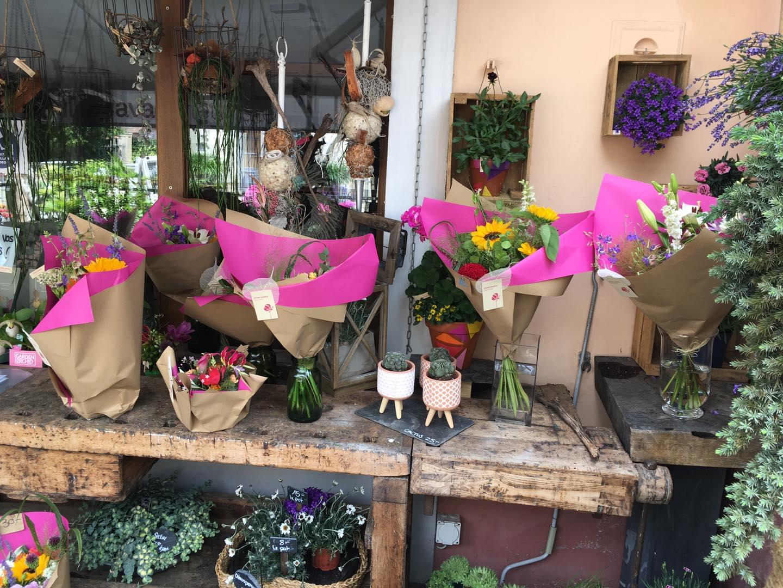 Compositions florales et bouquet de fleurs pour soi ou pour offrir Chloé Savary fleuriste à Mies