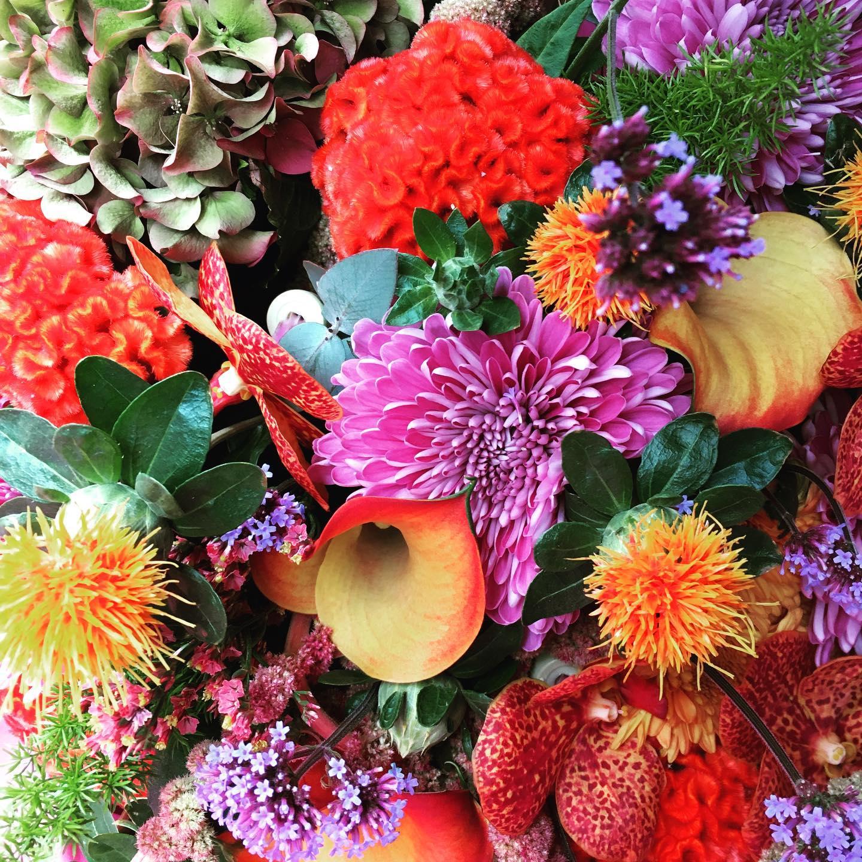bouquet de fleurs coloré galerie de création Chloé Savary Fleuriste à Mies