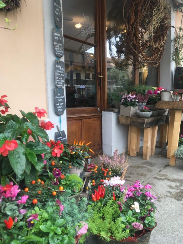 Présentation boutique de fleurs à Mies Chloé Savary