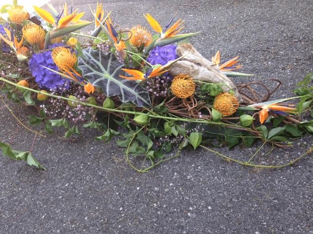 composition florale pour dessus de cercueil dernier hommage galerie des créations florales
