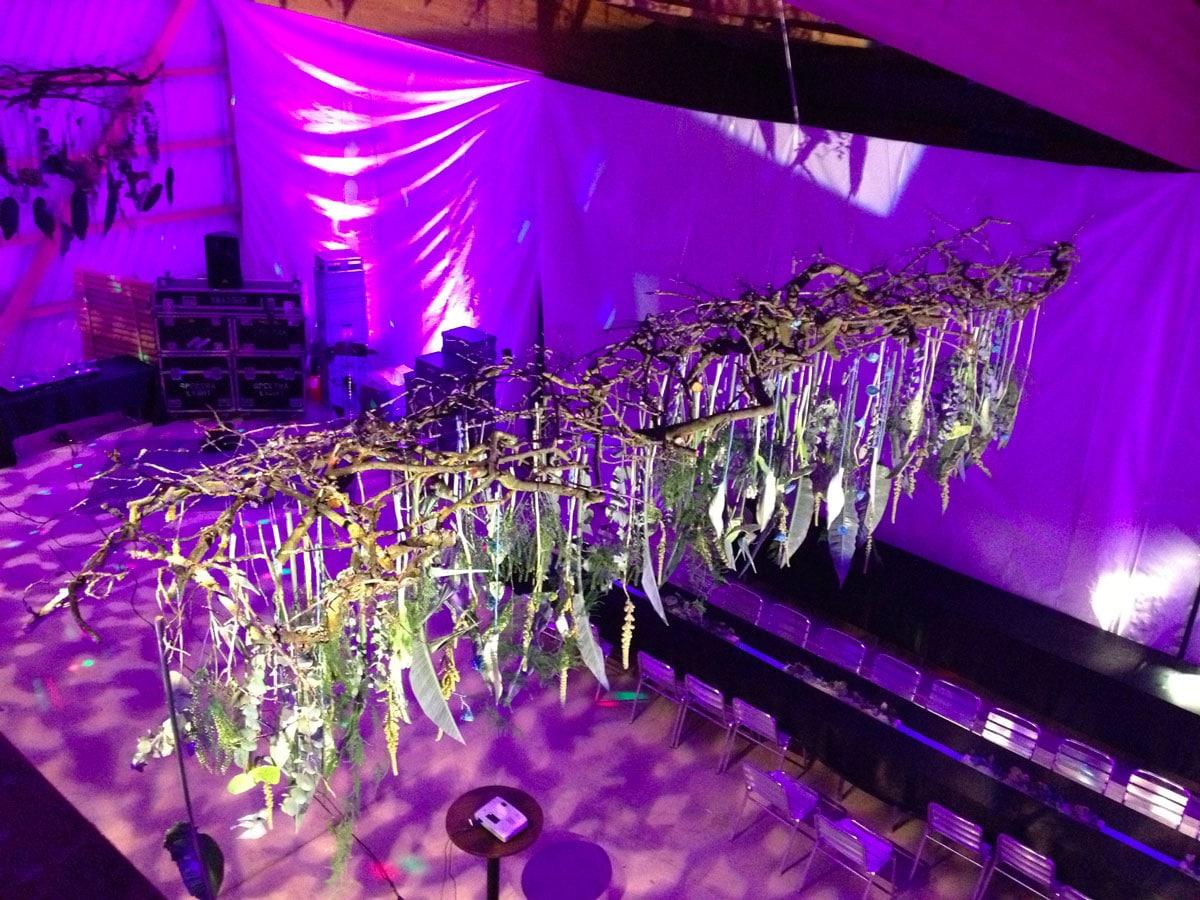 fleurs suspendues décoration florale événement galerie des créations florales