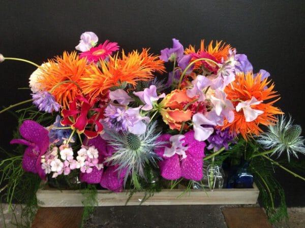 arrangement de fleurs de saison modulable arrangement allongé achat en ligne de fleurs